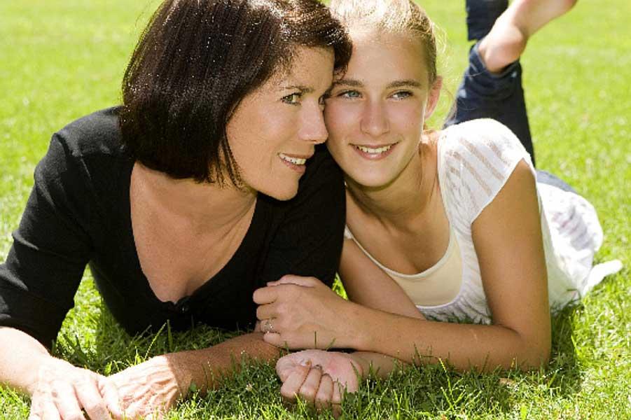 мама с девочкой