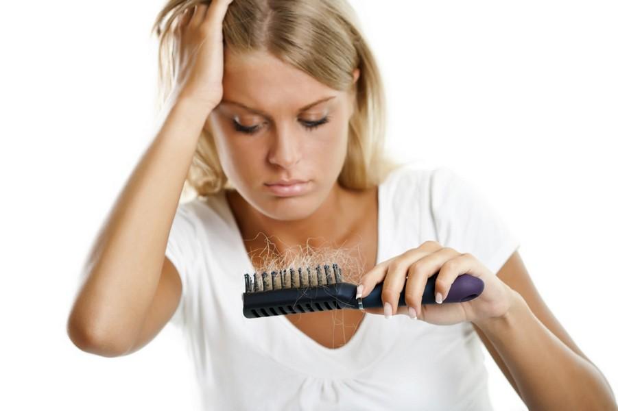 расческа с волосами