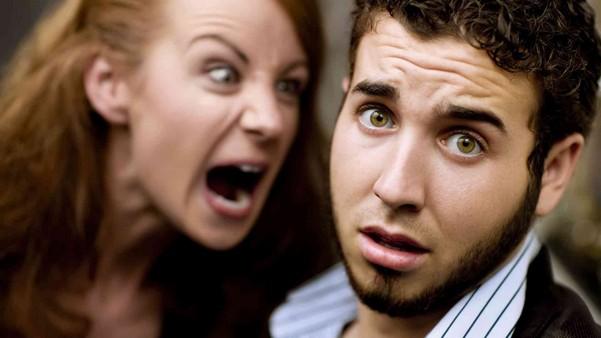 мужчина в шоке от девушки
