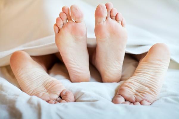 Пятки в постели