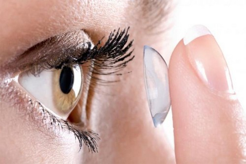 наращивание ресниц с контактными линзами