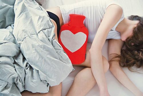 грелка во время менструации